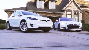 特斯拉Model X 对比同胞兄弟Model S