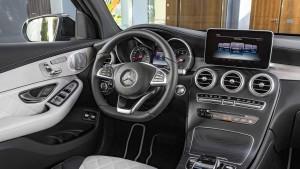 奔驰GLC Coupe内饰 配备7英寸显示屏
