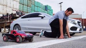 跨界速度对决 C级轿跑vs跑酷vs遥控车