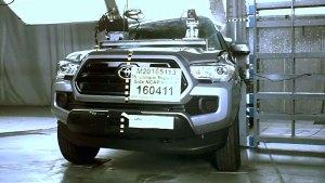 丰田Tacoma皮卡 侧面柱形碰撞测试