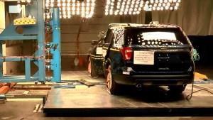 2016款福特探险者 侧面柱形碰撞测试