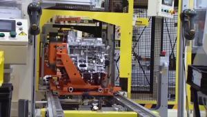 克莱斯勒发动机 装配生产过程实拍