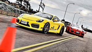 保时捷911/Cayman GT4 绕桩漂移表演