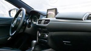 2017款马自达6 采用CX-9跨界车新方向盘