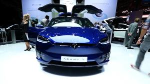 2016巴黎国际 特斯拉Model X P100D亮相