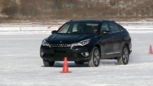 全新启辰T90跨界SUV 冰雪极地测试
