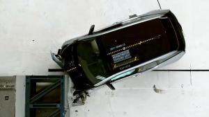 2017款宝马i3 美国IIHS正面40%碰撞测试