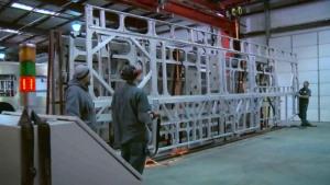 揭秘汽车工厂 比亚迪公交车美国生产线