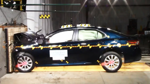 2018款丰田凯美瑞 NHTSA正面碰撞测试