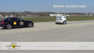 奔驰C级自动刹车测试
