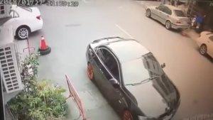 严重車禍,摩托车骑士差點爆頭!