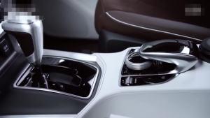 奔驰X级概念皮卡 采用三辐式镂空方向盘
