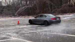 BMW E92 M3圣诞节冰雪路面驾驶