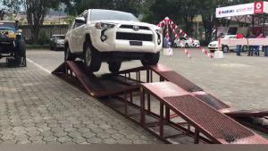 """丰田超霸4Runner性能测试,""""超级霸道""""不是吹出来的"""