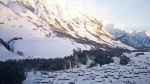 【GOING】BMW X3冰雪之旅郭队探访神的自留地