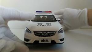 绅宝D70警车模型展示