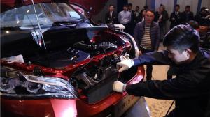 7万块的SUV现场暴力拆车,自主也能凭借实力叫板合资