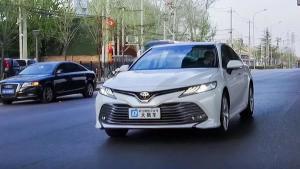 丰田第八代凯美瑞试驾感受,TNGA新平台驾驶性能怎样