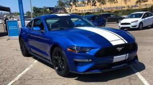 18款加规野马Mustang全方位VS18款科迈罗