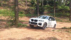 国产不加长的原因在这里 全路况试驾全新BMW X