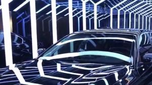 宝马5系贴车漆保护膜,完美贴合车身