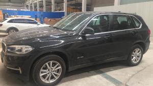 18款 宝马X5 是经典豪华SUV的杰出代表之一。