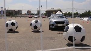 世界杯开车踢足球,跟着WEY来挑战C罗!