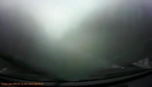 倒霉透顶 摄像车被对向车道汽车猛撞