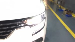 广州全新雷诺科雷傲改装车灯卤素灯改氙气灯海拉五透镜效果视频