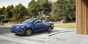 现代领动和吉利帝豪GL那台车更值得购买?