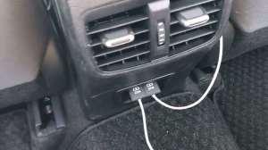 抢鲜看:丰田卡罗拉1.8L双擎版后排空间