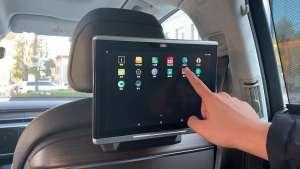 两块屏幕价值4万,奥迪A8L后排显示器能做什么?
