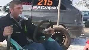 老外硬核演绎拉力赛赛车,你猜这个车百公里几个嘴?