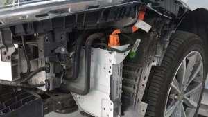 博瑞GE防撞梁拆解,看看这辆车内部如何?