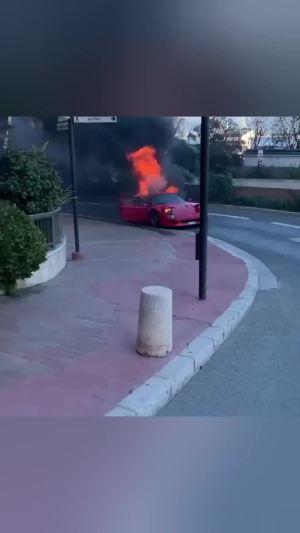 法拉利F40自燃 又少了一辆艺术品