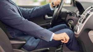 开惯了手动挡车的人,开自动挡车需要注意什么?这几个习惯要改