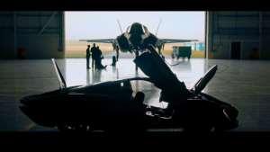 迈凯伦Speedtail VS 战斗机F35,谁将是最终王者?