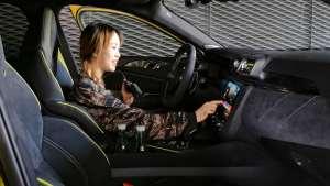 加号藏在领克03+车内饰设计中,时刻提醒驾驶员这车性能不容小觑