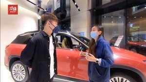 """探访上海蔚来中心,听店员小姐姐讲述""""老车主电池换新""""那些事"""