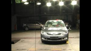 东风本田思铭C-NCAP安全测试 侧面碰撞