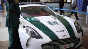 迪拜警车全数奢华车阵容 就是不差钱