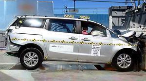 2015款起亚Sedona NHTSA正面碰撞测试
