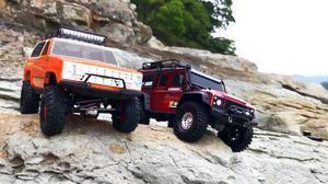 路虎卫士/雪佛兰开拓者遥控车岩石攀爬