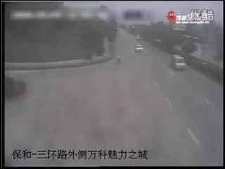 惨烈车祸汇编 遵守交通规则珍惜生命