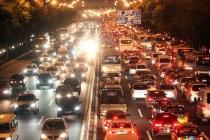 堵车时候你该怎么办? 这些行为很危险!