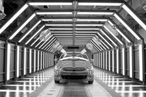 神龙汽车公布2016年销量目标冲击76.5万辆