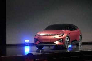 第一现场 | BYTON拜腾迎来里程碑时刻 首款概念车亮相CES