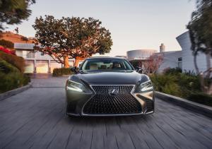 雷克萨斯增六成领涨8月豪华品牌 全新ES订单超两万|汽车产经
