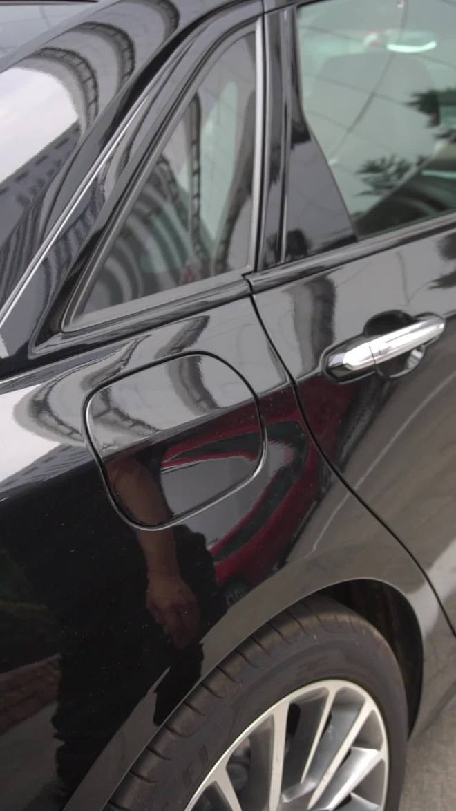 油箱盖/充电口