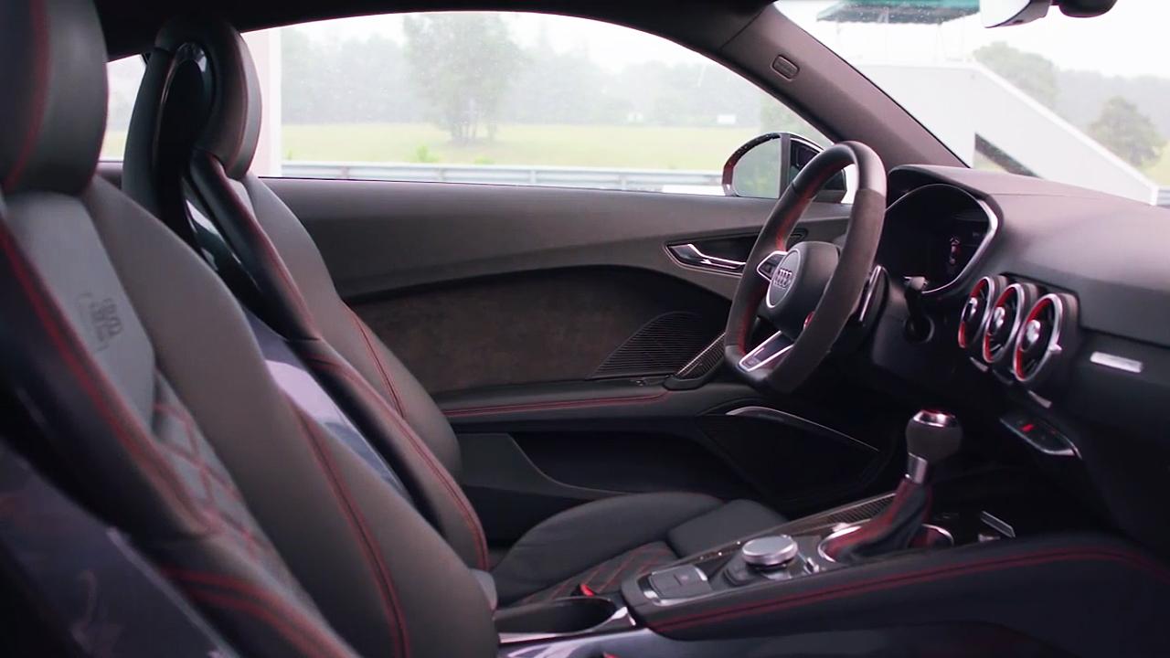 2018款奥迪TT RS 配备虚拟驾驶座舱